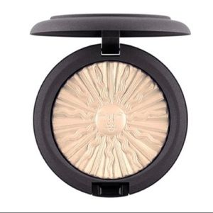 Mac Pony Park Extra Dimension Skin Finish Gold